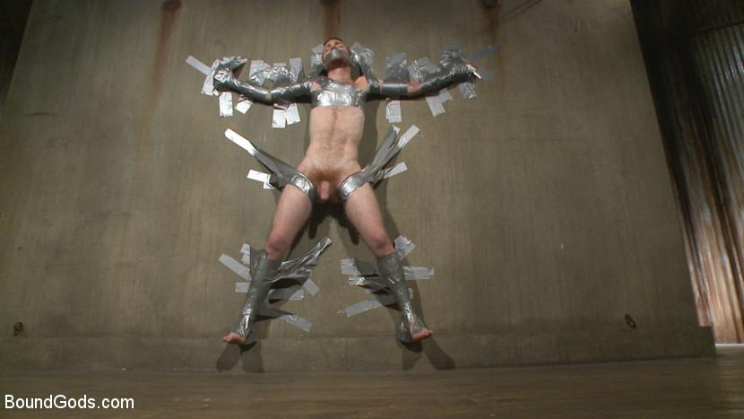 Damien_Michaels_Seamus_OReilly_gay_bondage_05
