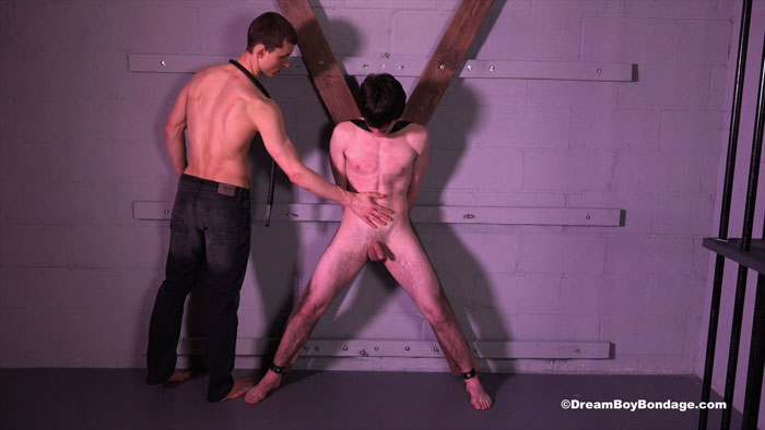 Dream_Boy_Bondage_Riley_02