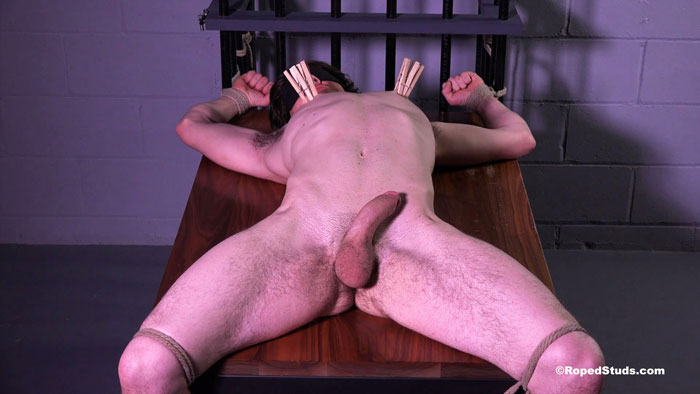 Roped_Studs_Riley_01