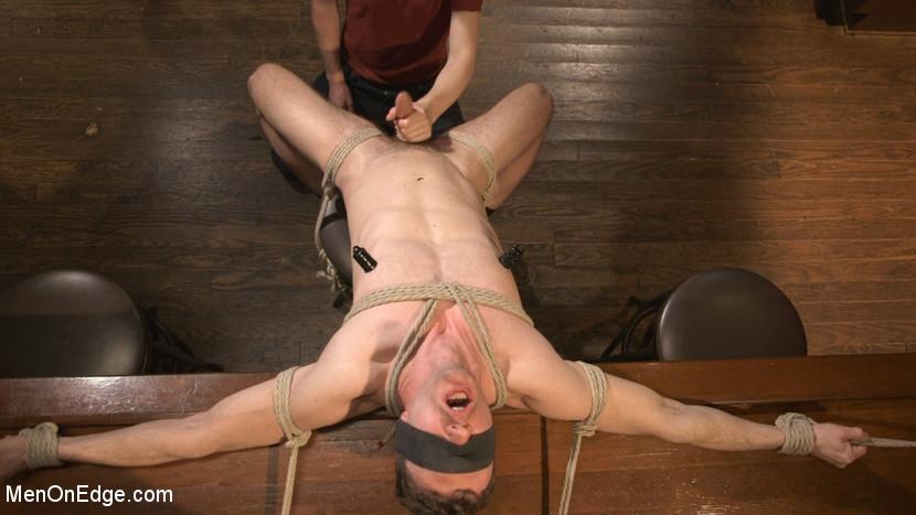 Branden_Forrest_gay_bondage_01