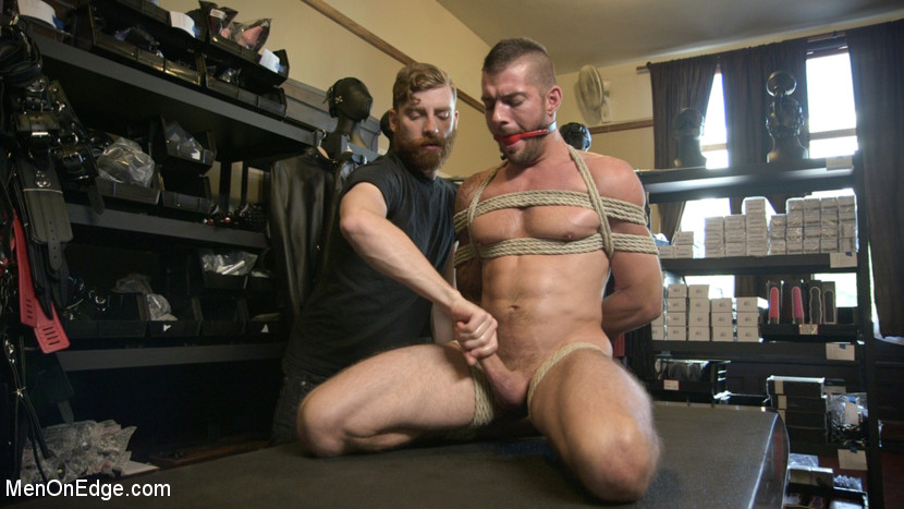 Tryp_Bates_gay_bondage_03