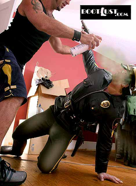 Gay_Bondage_Boot_Lust_03