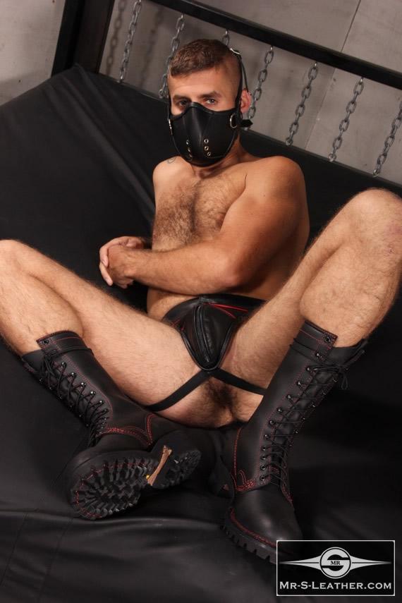 Gay_Bondage_Mercenary_Muzzle_05