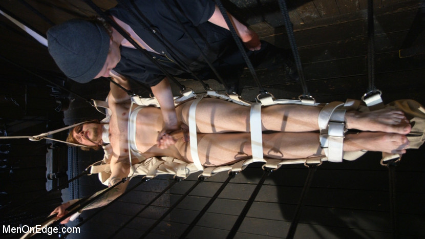 Gay_Bondage_Scotty_Zee_02