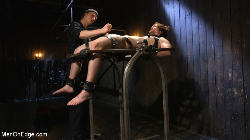 Gay_Bondage_Scotty_Zee_04
