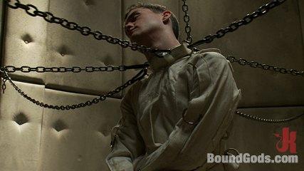 Josh_West_gay_bondage_01