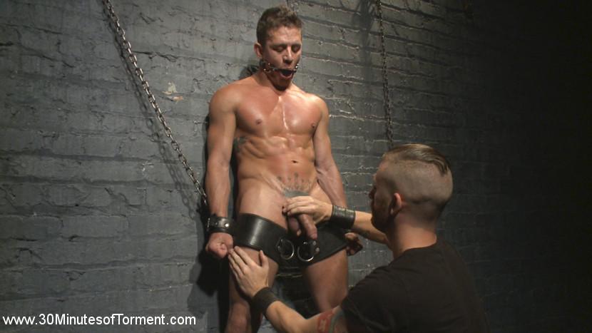 Alexander_Gustavo_gay_bondage_04