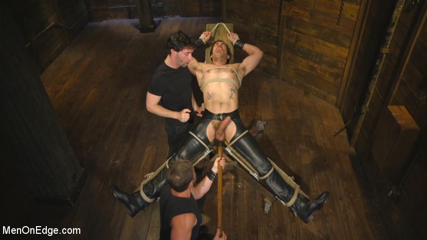 Dale_Cooper_and_Jackson_Fillmore_gay_bondage_01