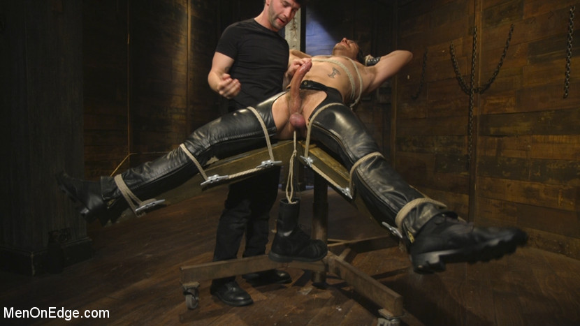 Dale_Cooper_and_Jackson_Fillmore_gay_bondage_03