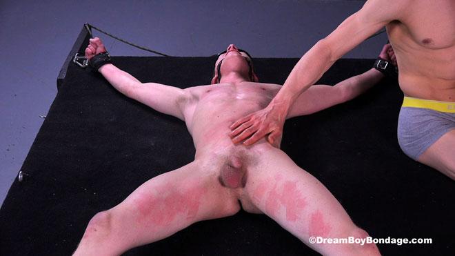 Dream_Boy_Bondage_Noah_03