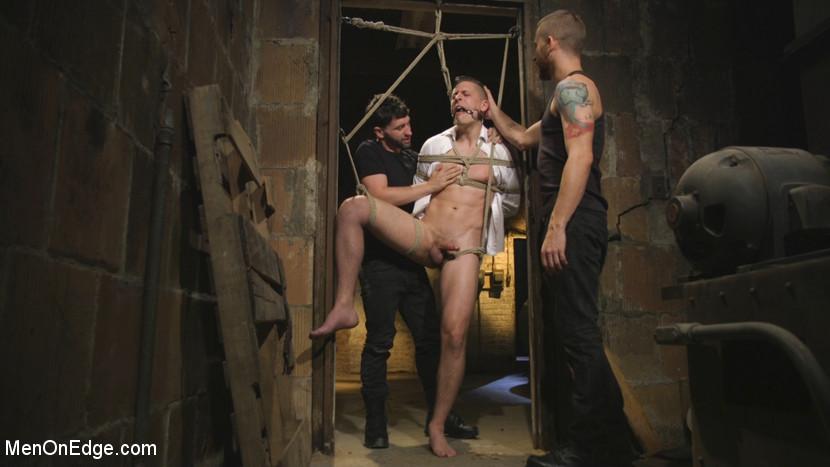Tyler_Rush_gay_bondage_01