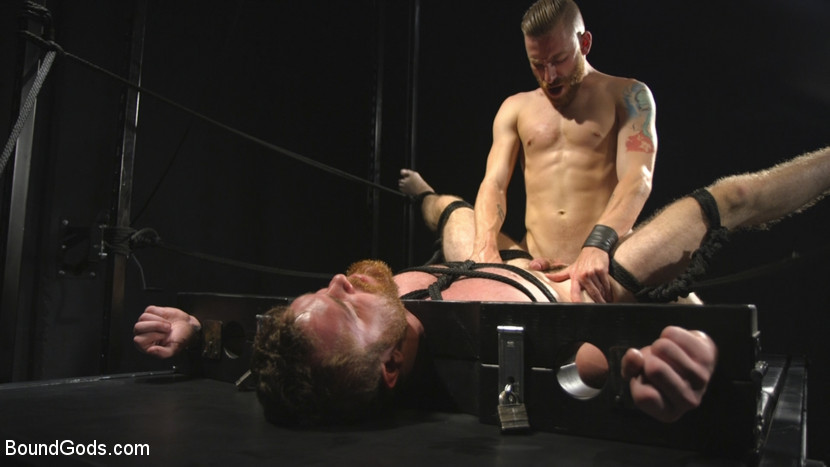 scott_ambrose_and_sebastian_keys_gay_bondage_02