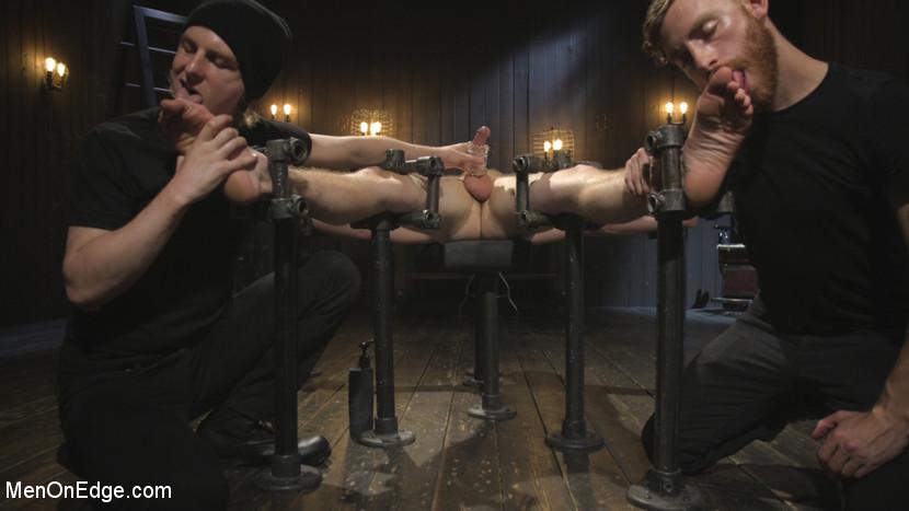 chris_pryce_gay_bondage_01