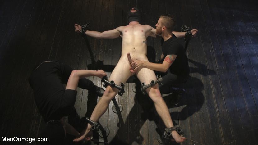 chris_pryce_gay_bondage_04