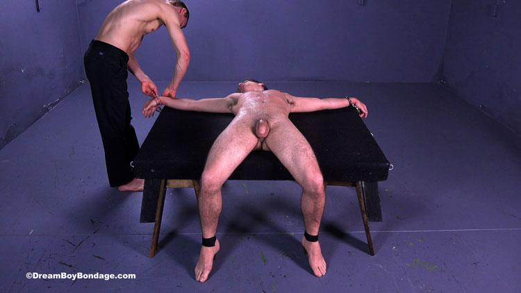 dream_boy_bondage_handcuffed_06