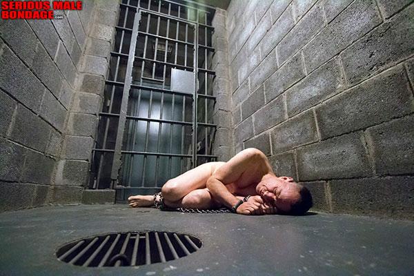 gay_bondage_jail_cell_02