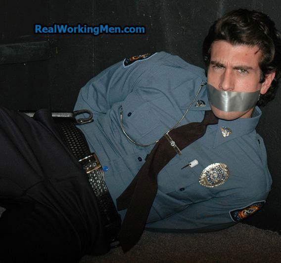 gay_bondage_cops_03