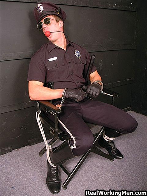 gay_bondage_cops_05