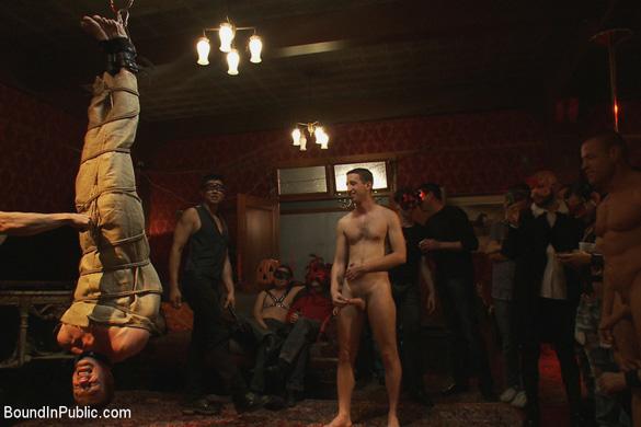 blake_daniels_gay_bondage_03