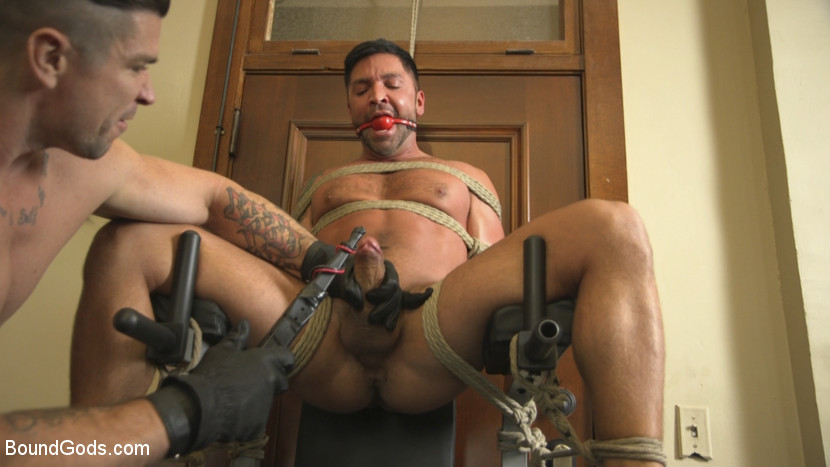 dominic_pacifico_and_trenton_ducati_gay_bondage_02