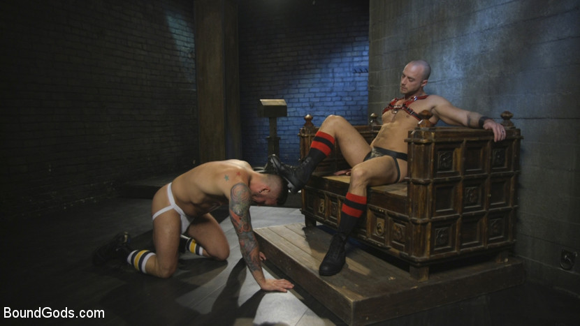 hugh_hunter_and_jessie_colter_gay_bondage_02