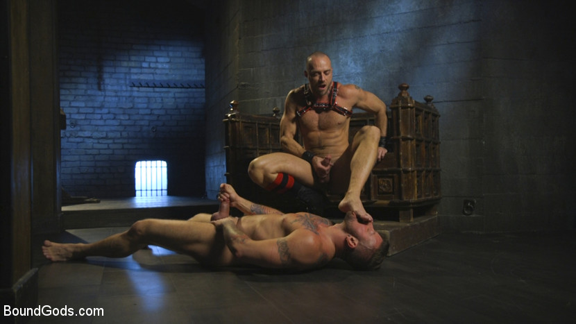 hugh_hunter_and_jessie_colter_gay_bondage_05