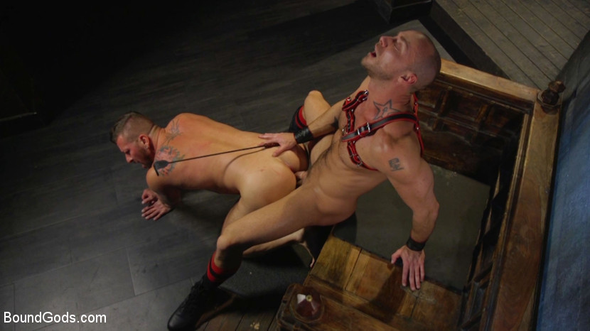 hugh_hunter_and_jessie_colter_gay_bondage_06