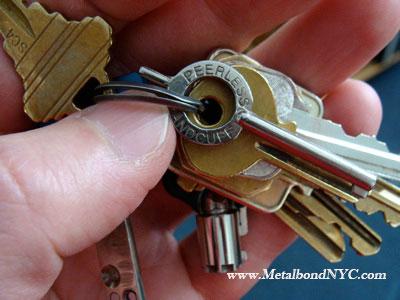metalbondnyc_handcuff_key_02