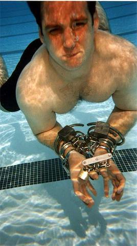 metalbondnyc_handcuffed_03