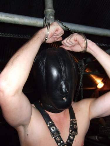 metalbondnyc_handcuffed_15