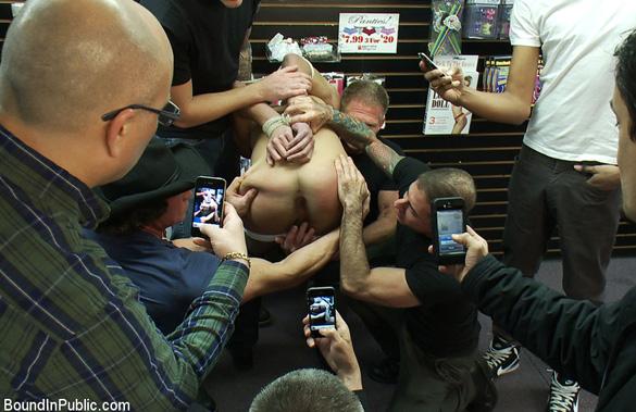 nick_moretti_gay_bondage_04