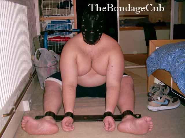 Captive of the Day: TheBondageCub