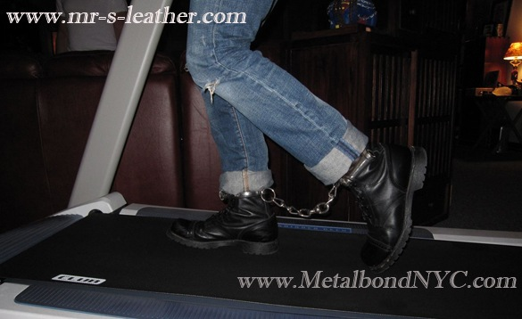Booted prisoner with leg irons 03