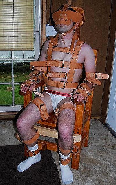 Metalbond gay male bondage 02