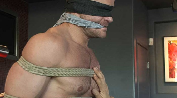 Landon Conrad gets taken down and edged at a bar in broad daylight