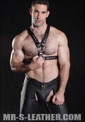 MetalbondNYC_leatherHarness_05