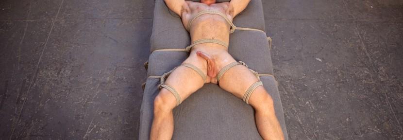Meet bodybuilder-turned-bondage model Beau Warner