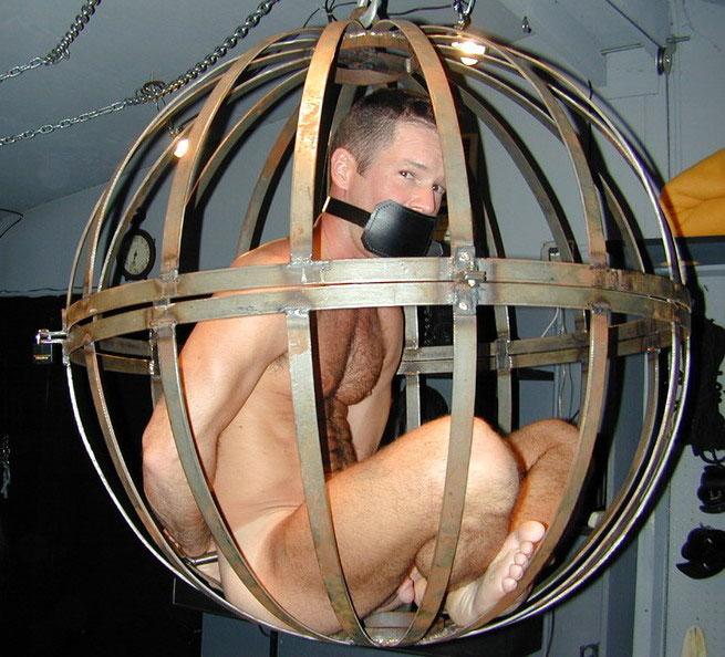MetalbondNYC_caged_07