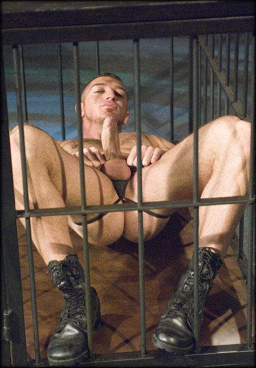 MetalbondNYC_caged_08