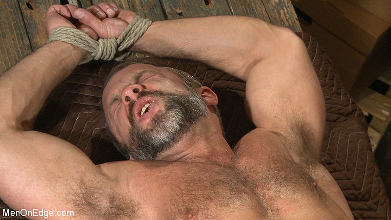 Male BDSM porn: Connor Maguire and Dirk Caber get tied up at Men on Edge