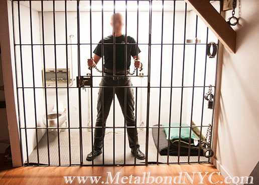 01_Metalbond_BehindBars_01