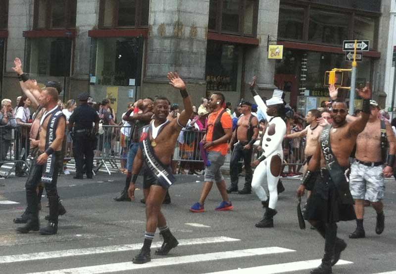 02_MetalbondNYC_GayPride2014_titleholders