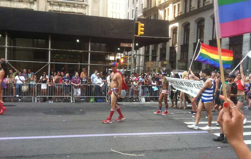 06_MetalbondNYC_GayPride2014_pushups_01