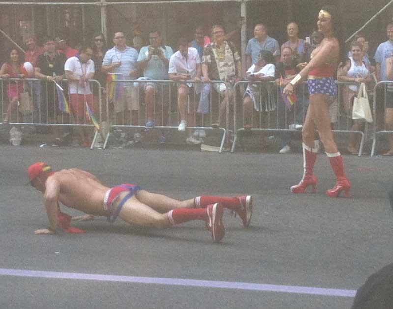 08_MetalbondNYC_GayPride2014_pushups_03