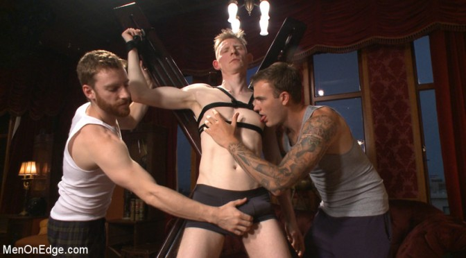 Male BDSM porn: Rob Yaeger is tied up and edged