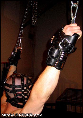Restraints_02