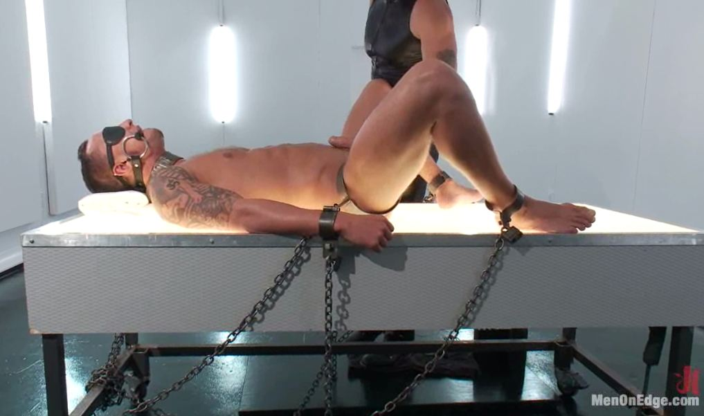 MetalbondNYC_Gay_Male_Bondage_MOE_06