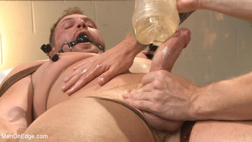 MetalbondNYC_gay_male_bondage_39076_5