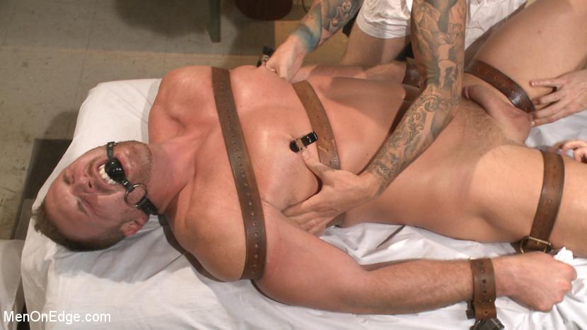 MetalbondNYC_gay_male_bondage_39076_8