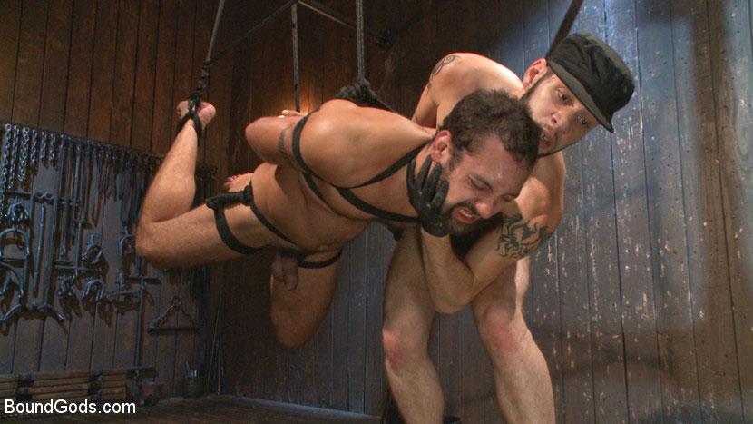 MetalbondNYC_gay_male_bondage_main_39083_6
